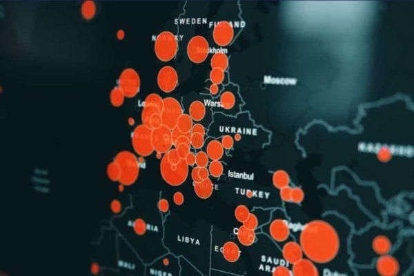 Tracer le virus, contrôler les populations. Vol de pigeons Oxford-Singapour