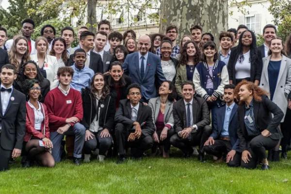 """""""Avenir Lycéen"""" : le ministère finance un syndicat macroniste. Blanquer démission ! – NPA Jeunes"""